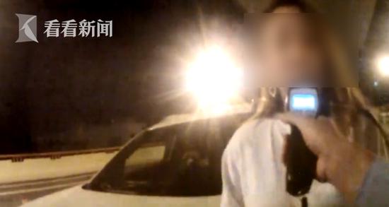 上海交警夜间严查严处 酒驾红线切勿触碰