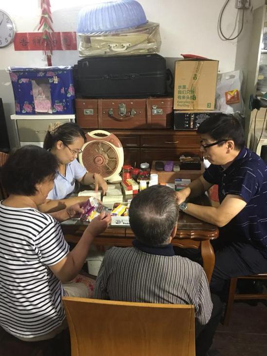 上海四医联动救助模式获居民点赞 医疗费最高减免95%