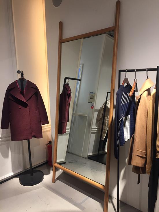 上海部分店铺试衣镜存安全隐患 有商场已自查
