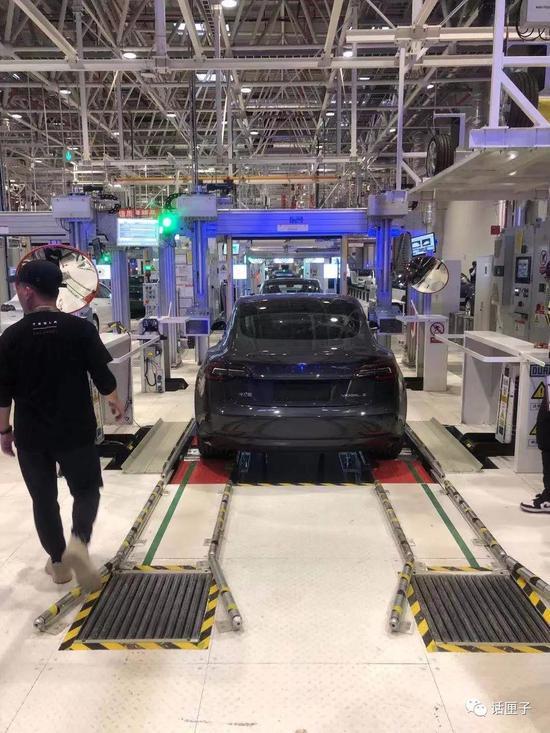 特斯拉Model 3正式交付 Model Y也将国产