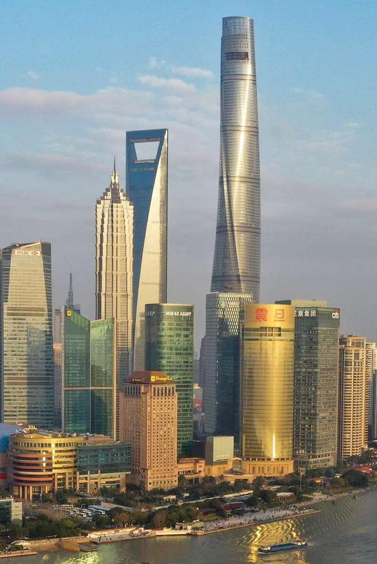 上海中心大厦等陆家嘴建筑 赖鑫琳 摄