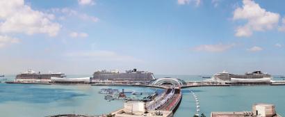 国际知名豪华邮轮纷至沓来的同时,宝山区推动建设中国邮轮旅游发展示范区也是马不停蹄。图为吴淞口国际邮轮港。 (宝山区供图)