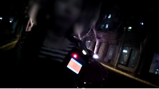 图说:涉事女司机酒精检测显示其每百毫升血液中酒精浓度达139毫克,涉嫌醉驾。长宁警方 图
