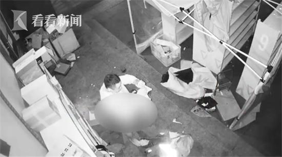 男子黑手伸向防疫快递柜 变装专偷内衣裤已被刑事拘留