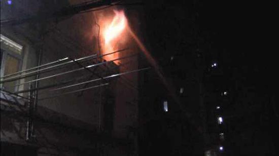 同日两起电瓶车充电引发火灾致快递外卖员一死一伤