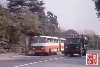 57路公交车是当年市区通往西郊公园的唯一线路