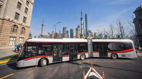 71路中运量线路将变化 长宁或增直达虹桥火车站公交线