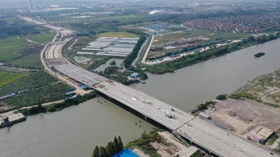 ▲ 岳鹿公路新浏河大桥
