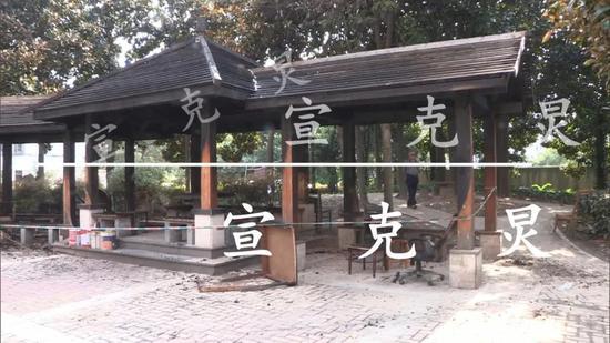 63岁上海阿姨半夜放火烧毁凉亭 只因与人争坐椅子被拒
