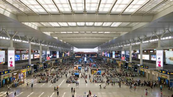 长三角铁路国庆假日预计发送旅客2222万 增开94对列车