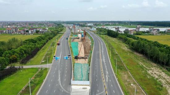 两港大道快速化迎新进展 未来新片区到浦东机场仅25分钟