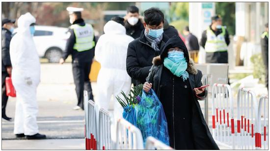 上海迎首个冬至祭扫高峰 接待市民22.78万人