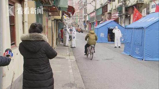 上海民警驻守闭环管理小区 为战胜疫情推迟婚礼