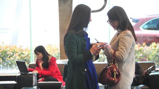 上海女职工问卷调查:职场女性需在家庭工作找到平衡点