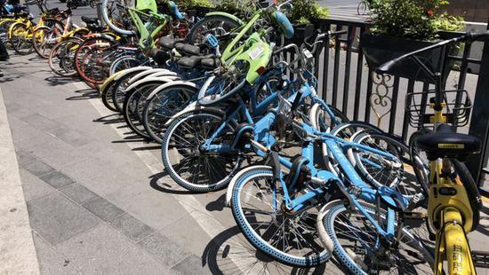 上海共享单车40%以上有故障 小鸣单车成街头垃圾
