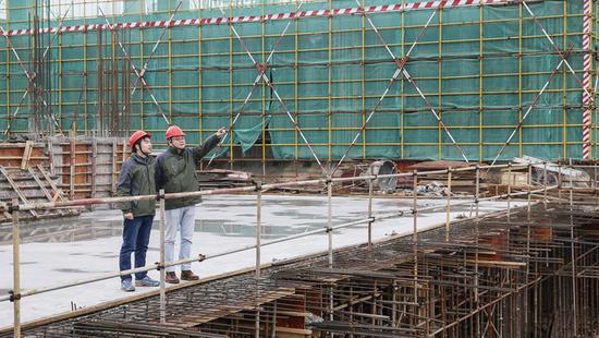 人勤春来早。浓浓年味尚未散去,松江区一些百亿级项目建设已悄然复工。