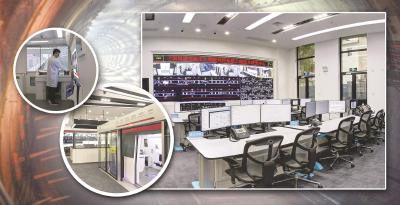 精心打造的无人驾驶工程中心尽可能逼真地再现了上海地铁10号线的无人驾驶场景,包括站台、闸机、车厢、控制室等。制图:冯晓瑜