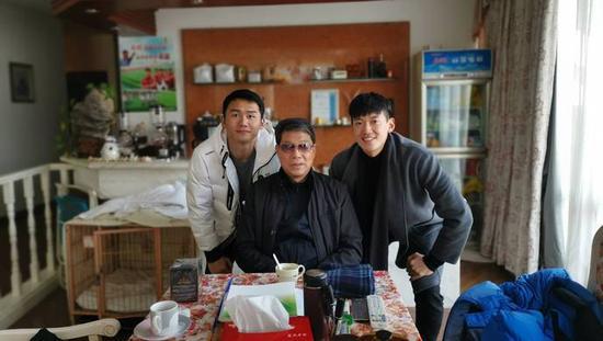 徐根宝迎75岁生日 颜骏凌朱峥嵘和武磊们牢记师恩难忘