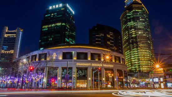 上海首店经济继续领跑全国 首店在大型商业综合体扎堆