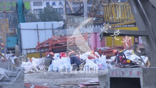 15号线工地发生意外 一工人被钢板砸中身亡