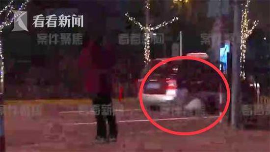沪一出租车司机逃避执法 将执法队员拖拽数十米被刑拘