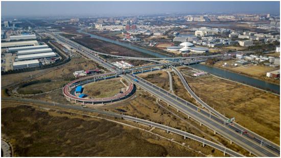 图说:S2公路-海港大道立交匝道今天上午正式通车 采访对象供图(下同)