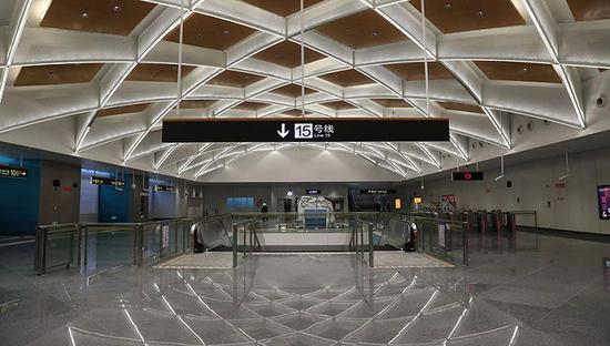 西部轨交大动脉15号线春节前开通运营 设地下车站30座