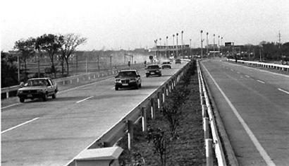 沪嘉高速公路。 资料照片