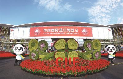 首届中国国际进口博览会虽已落幕,但中国和各国搭建的全球开放合作的舞台永不落幕。本报记者刘栋摄