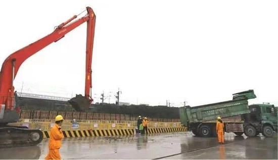 图说:上海机场联络线工程进入基坑开挖阶段 来源/采访对象提供(下同)