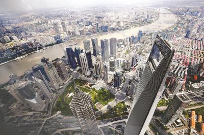 根据行动计划,到2020年上海将迈入全球金融中心前列。图为金融机构集聚的陆家嘴地区。本报记者袁婧摄