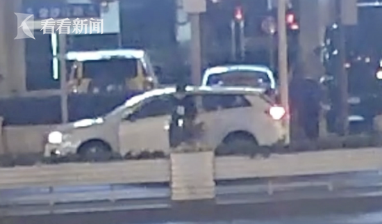 网约车司机挑唆乘客酒驾 结果双双被拘