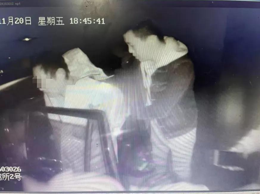 宝山警方将潜逃18年的李某抓获