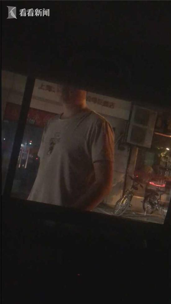 海博出租司机随口加价 女乘客要求打表被撵下车