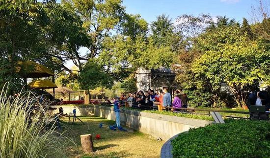 上海动物园本周末恢复特色项目 推4条特色游路线
