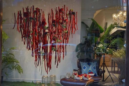 去年6月,李臻将在愚园路上开设了自己的花店,一个集合多种植物服务的平台