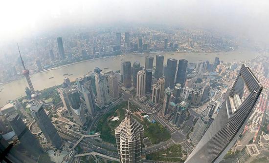 图说:上海阴天。新民晚报 种楠 摄