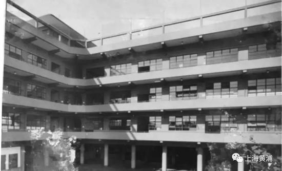 黄浦喇格纳小学旧址建筑平移工程顺利完工 现场图一览