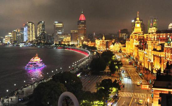 5月8日的上海外滩夜色。杨建正 摄
