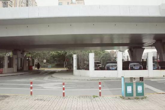 威宁路桥桥下空间现状