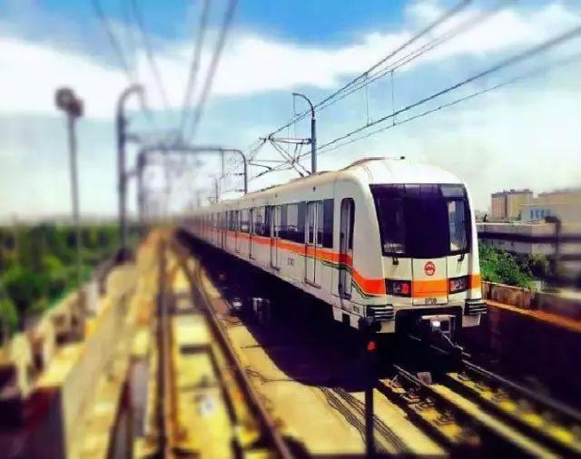 7号线越江段:龙华中路站↔后滩站↑