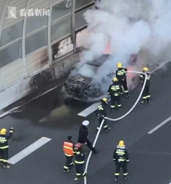 申城发生多起车辆起火事故 自燃多与保养不力有关