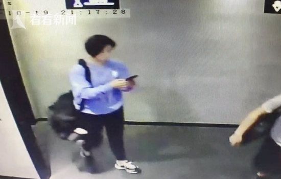 女子偷走6000元金项链 高调佩带被掉主一眼认出