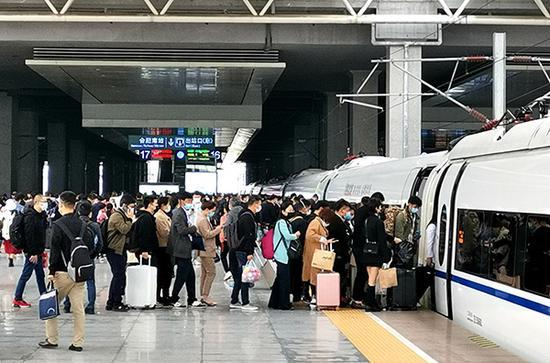 长三角铁路五一预计发送旅客700万人次 环比增长超5成