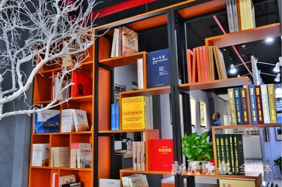 图说:上海首个档案文化社区体验馆开放。新民晚报记者 孙中钦/摄