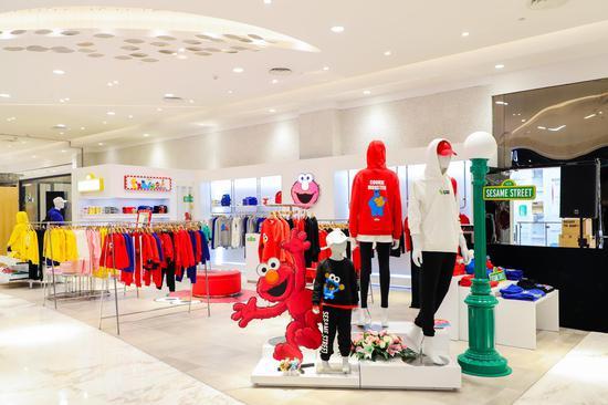 Sesame Street芝麻街全球时尚首店落户上海新世界大丸百货