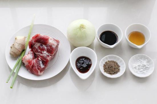 孜然洋葱炒肉,肉香满满,每次做都要多吃一碗饭