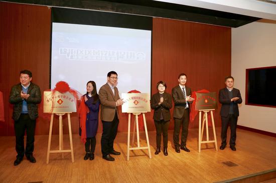 一个有温度、有高度的银行 农行上海徐汇支行新春期间开展多元化服务受好评