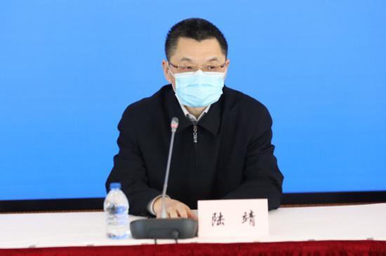 上海市教委:同时下发数字和纸质教材 可到校领取也可快递寄送
