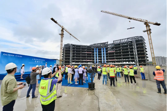 新虹桥国际医学中心肿瘤医院封顶 高品质医疗辐射
